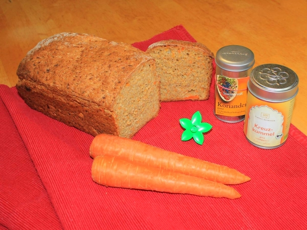 Oriantalisches Möhrenbrot Möhren Karotten Brot Rezept Vital for your life vitalforyourlife Brot mit Karotten
