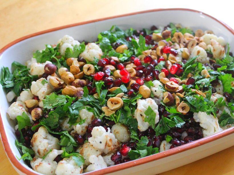 Blumenkohlsalat mit Granatapfelkernen Rezept von Vital for your life Vegan Food Blog