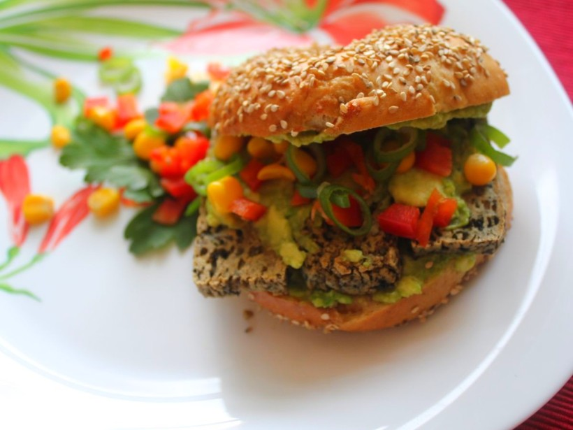belegte Sesam Bagels von Vital for your life Vegan Food Blog