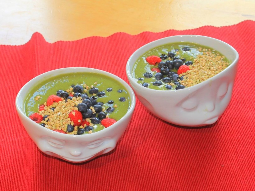 brennnessel-smoothie-bowl-vital-for-your-life-vegan-food-blog